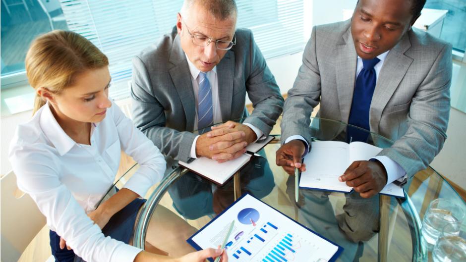 Pessoas em reunião de trabalho
