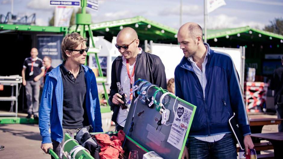 três homens apresentam projeto em evento de empreendedores PicNic