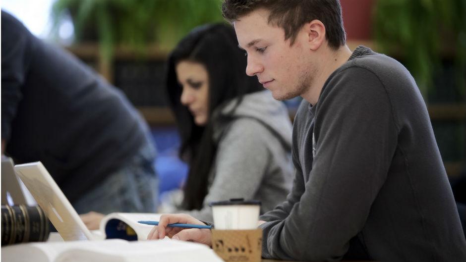 estudante estudando